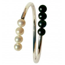 CHOC-PERLA, STERLING SILVER BANGLE WITH PEARL. Original Handcrafted Jewel -VOBCHOC02 - Original Version